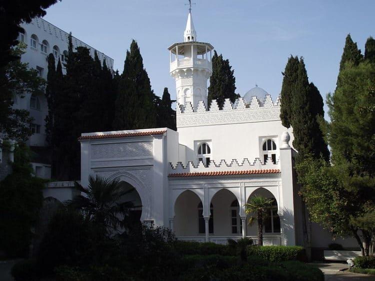 Дворец (дача) Кичкине - достопримечательности Ялты