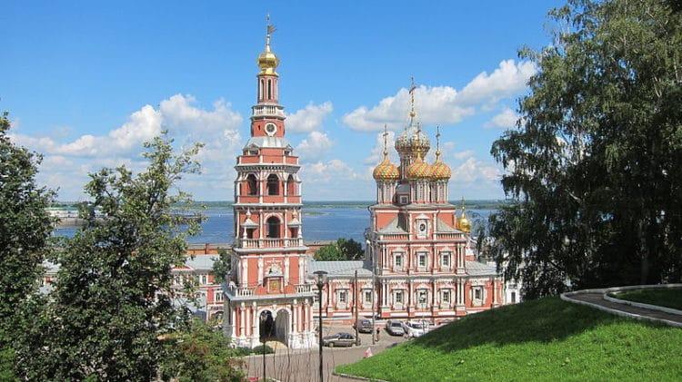 Рождественская (Строгановская) церковь - достопримечательности Нижнего Новгорода