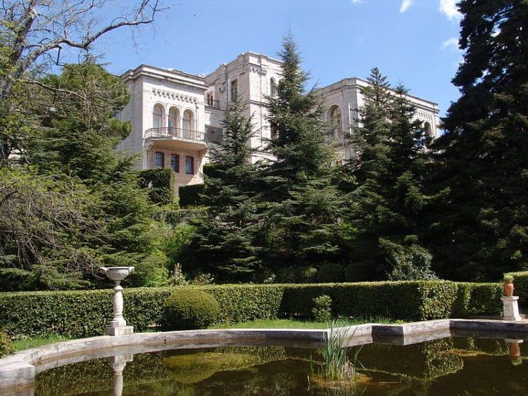 Юсуповский дворец - достопримечательности Ялты