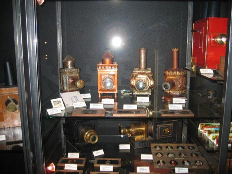 Музей кино - достопримечательности Дюссельдорфа