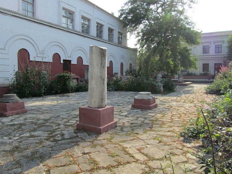 Феодосийский краеведческий музей - достопримечательности Феодосии