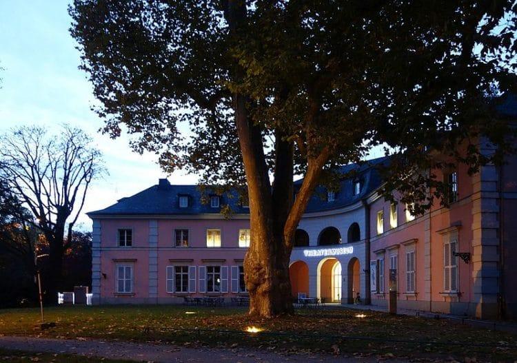 Музей театра - достопримечательности Дюссельдорфа