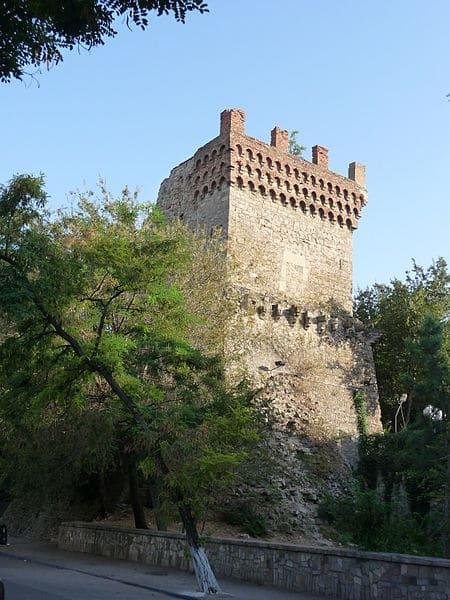 Башня Святого Константина - достопримечательности Феодосии
