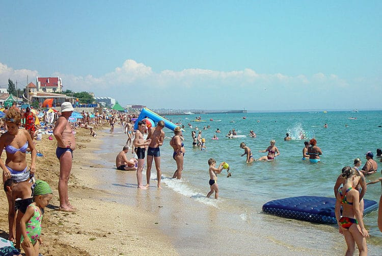 Первый городской пляж - достопримечательности Феодосии