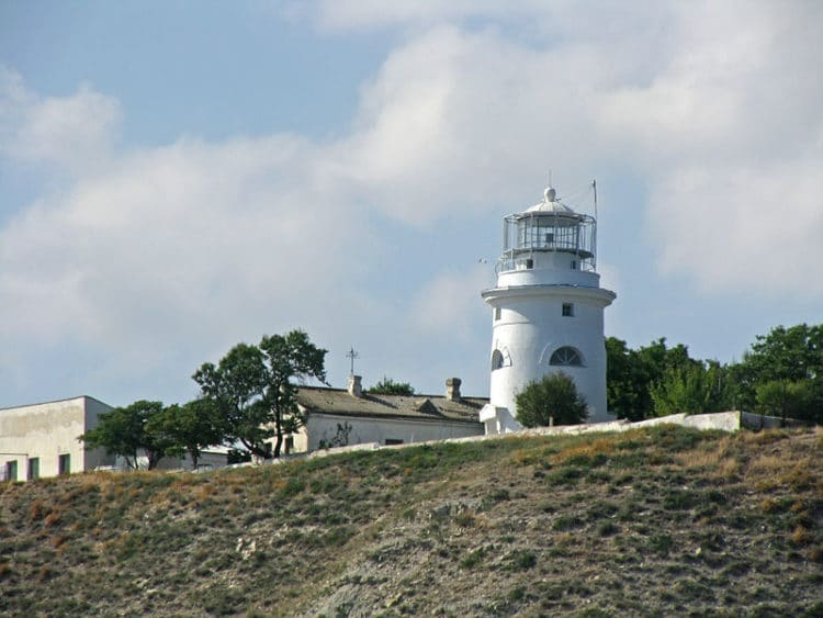 Ильинский маяк - достопримечательности Феодосии