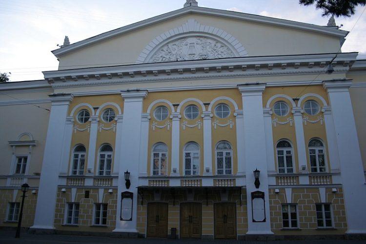Драматический театр имени А. Н. Островского - достопримечательности Костромы
