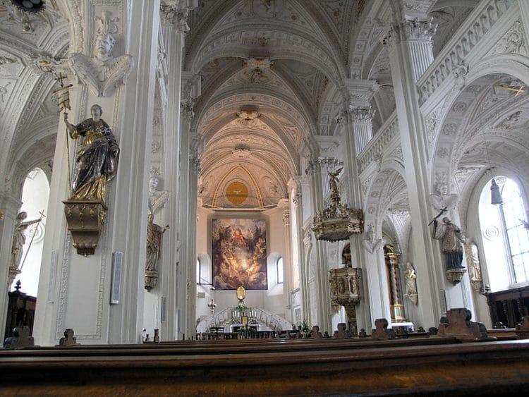 Церковь Апостола Андрея - достопримечательности Дюссельдорфа