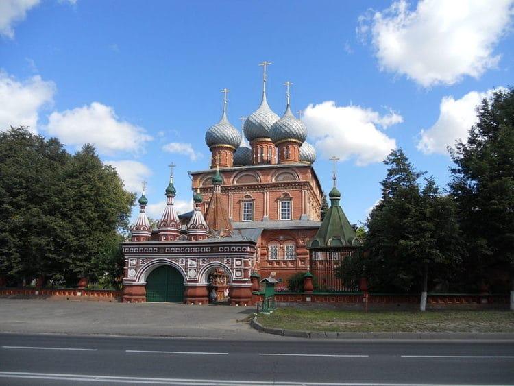 Церковь Воскресения на Дебре - достопримечательности Костромы