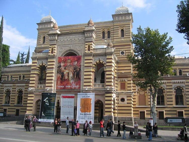 Грузинский театр оперы и балета им. Палиашвили - достопримечательности Тбилиси