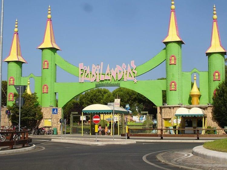 Парк развлечений «Фиабиландия» - достопримечательности Римини