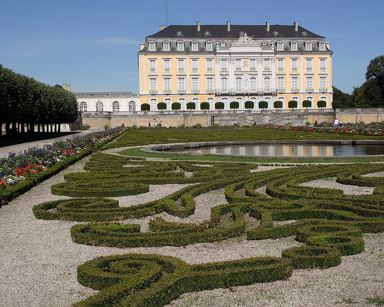 Дворец Аугустусбург - достопримечательности Кёльна