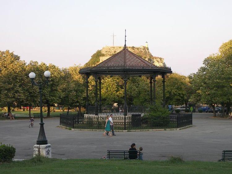Площадь Спианада - достопримечательности Корфу