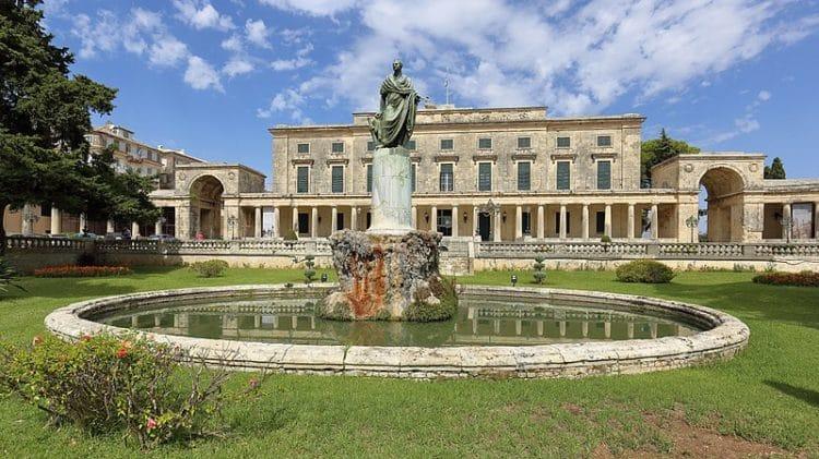 Дворец Святых Михаила и Георгия - достопримечательности Корфу