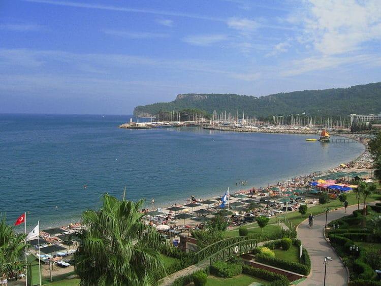 Центральный пляж Кемера - достопримечательности Кемера