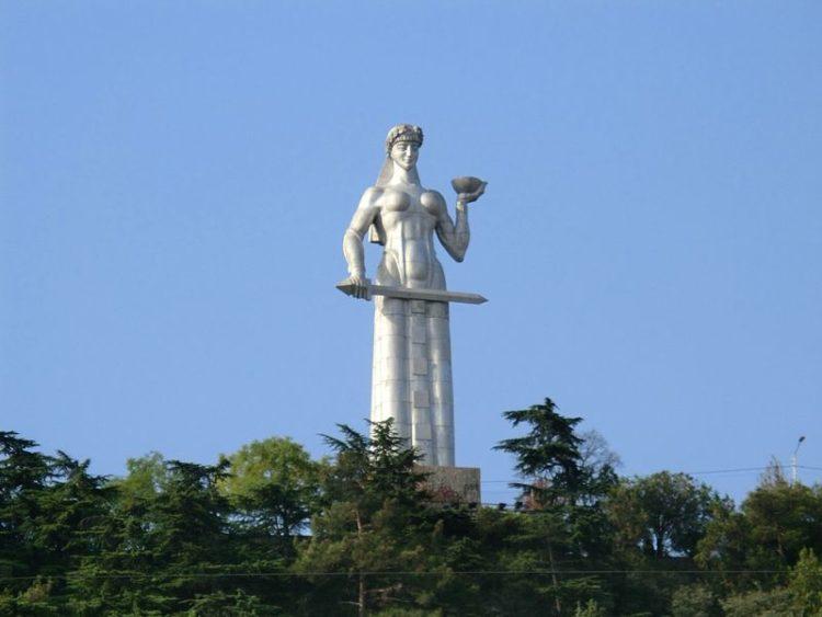 Монумент Мать Картли - достопримечательности Тбилиси