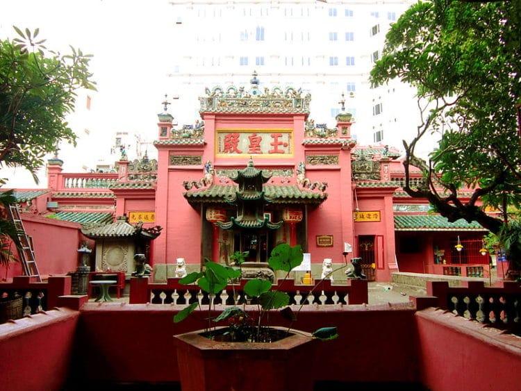 Пагода Нефритового Императора - достопримечательности Хошимина