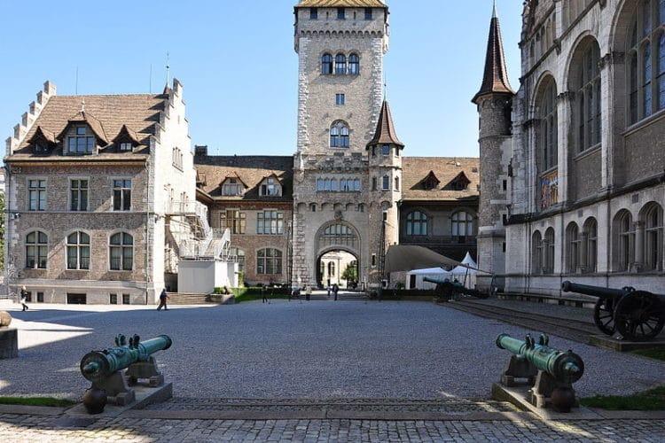 Швейцарский национальный музей - достопримечательности Цюриха