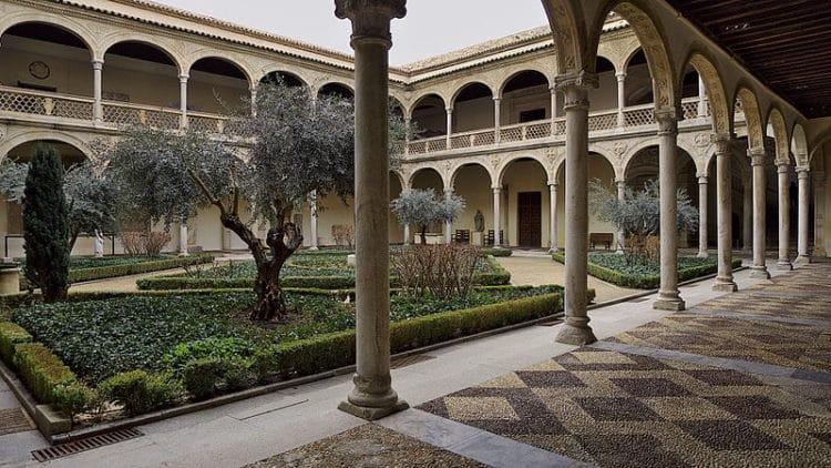 Музей Санта-Круз - достопримечательности Толедо