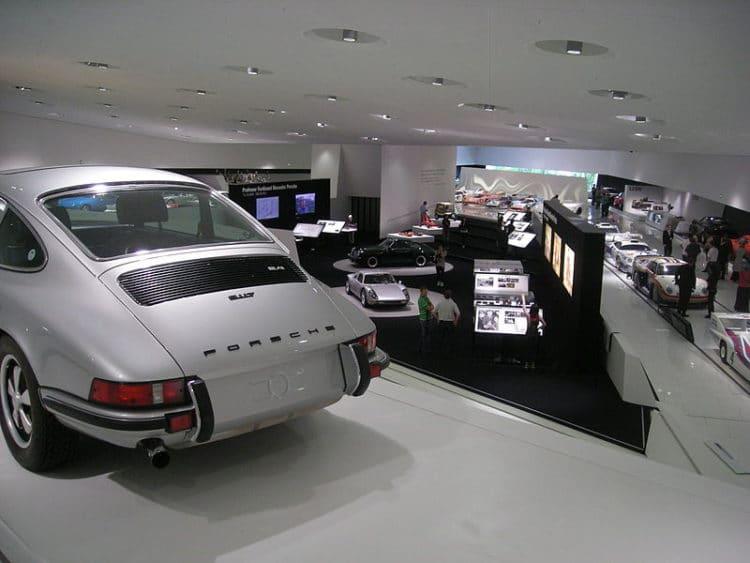Музей Porsche - достопримечательности Штутгарта