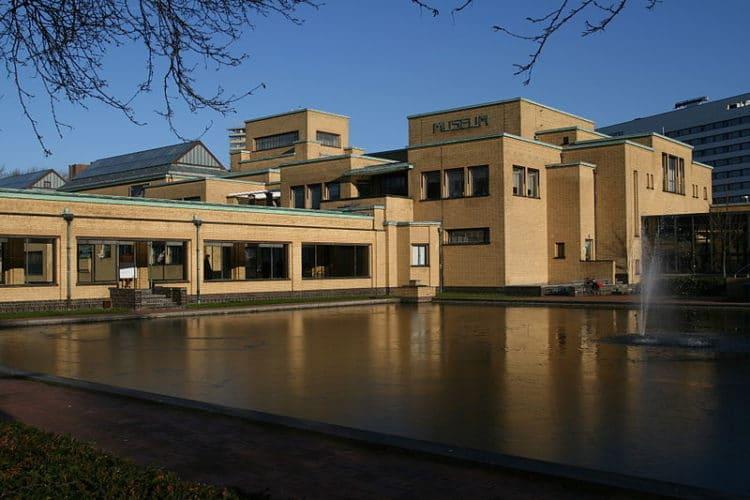Муниципальный музей - достопримечательности Гааги