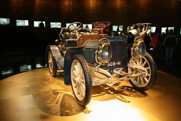 Музей Mercedes-Benz - достопримечательности Штутгарда