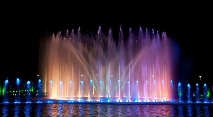 Зал Столетия и Вроцлавский фонтан - достопримечательности Вроцлава
