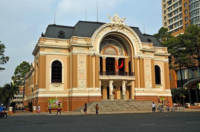 Оперный театр - достопримечательности Хошимина
