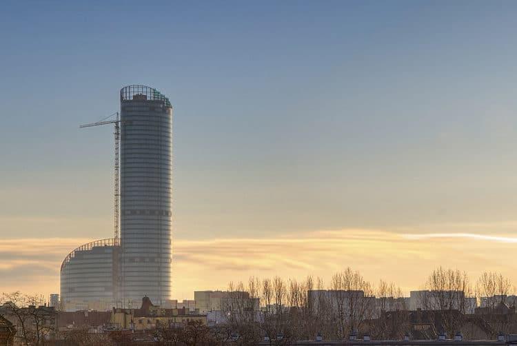 Здание Sky Tower - достопримечательности Вроцлава