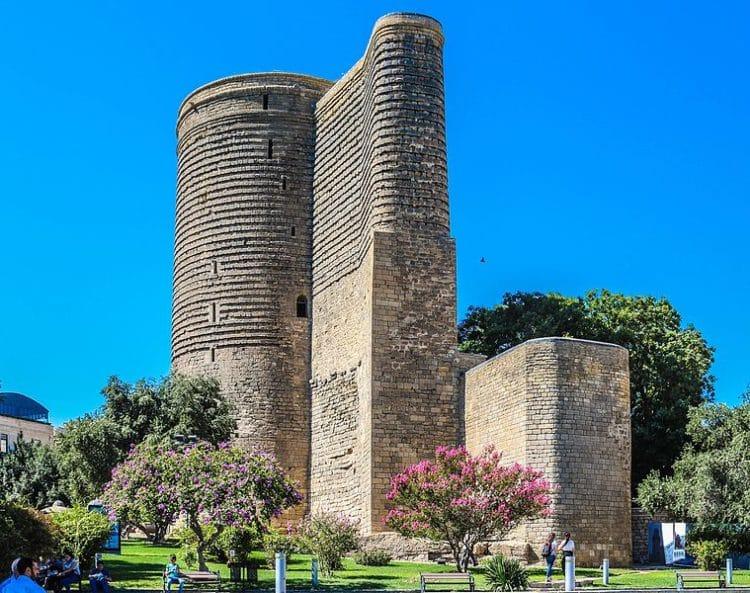Девичья башня в Баку - достопримечательности Баку