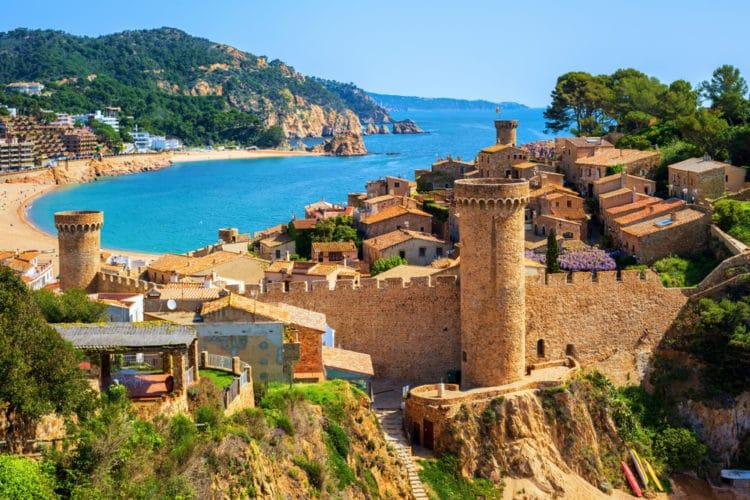 Крепостные стены - Что посмотреть в Жироне