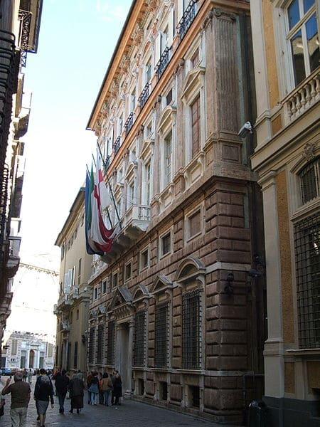 Палацци-деи-Ролли - достопримечательности Генуи