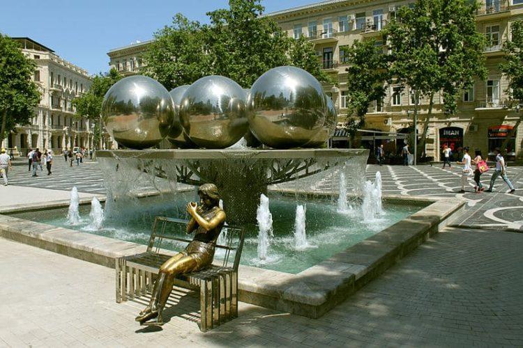 Площадь Фонтанов в Азербайджане