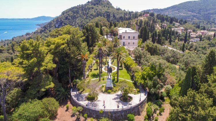 Дворец Ахиллион в Греции
