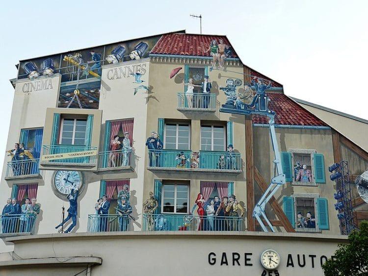 Дом с муралами во Франции
