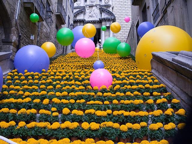 """Фестиваль """"Время цветов"""" - достопримечательности Жироны"""