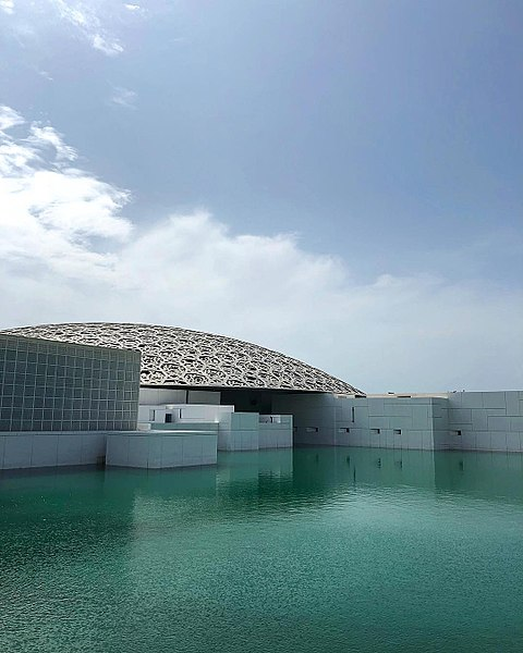 Музей «Лувр Абу-Даби» в ОАЭ