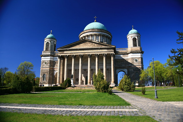 Базилика Святого Адальберта в Венгрии