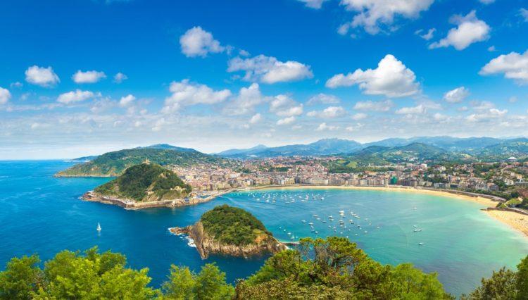 Пляж Ла-Конча в Испании