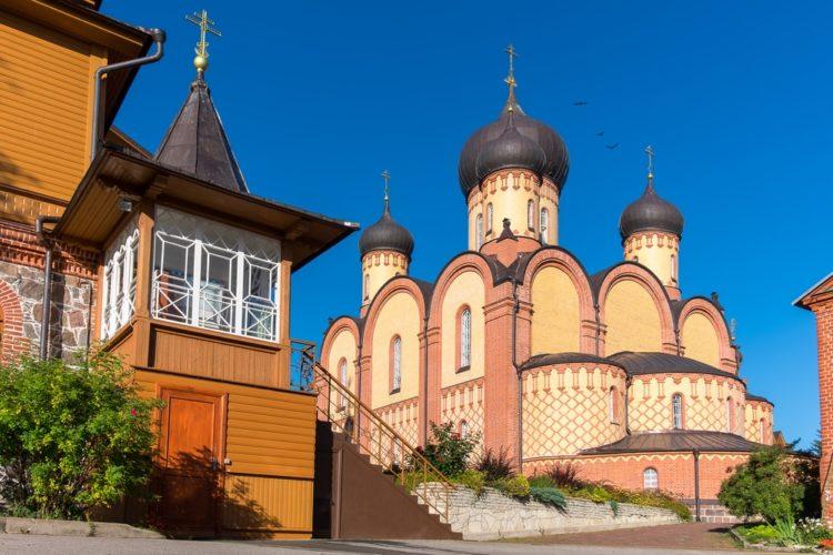 Пюхтицкий Успенский монастырь в Эстонии