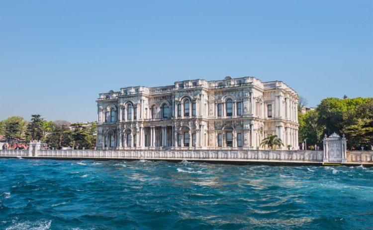 Дворец Бейлербей в Турции