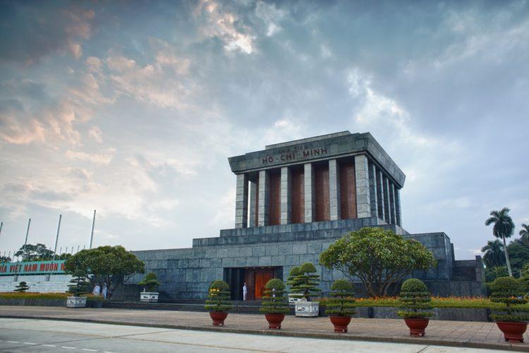 Мавзолей Хо Ши Мина во Вьетнаме