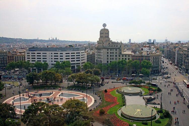 Площадь Каталонии в Испании