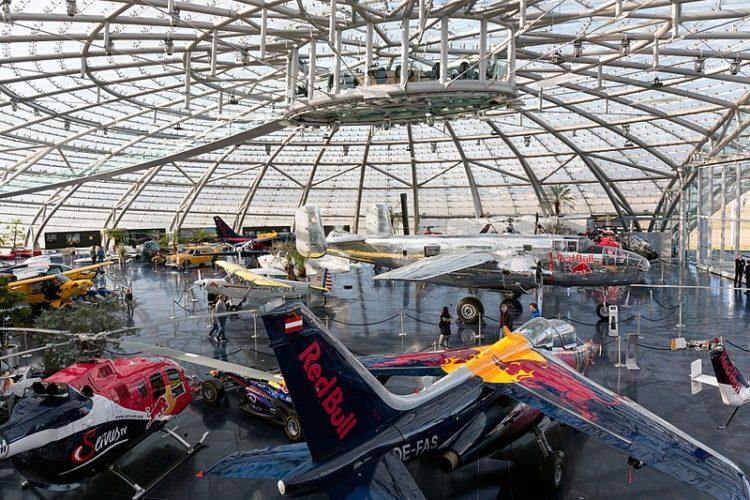 Ангар-7 Red Bull - достопримечательности Зальцбурга