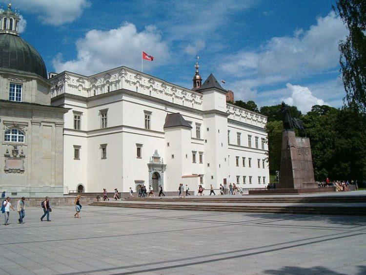 Дворец великих князей литовских в Литве