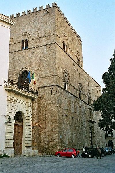 Дворец Кьярамонте в Италии