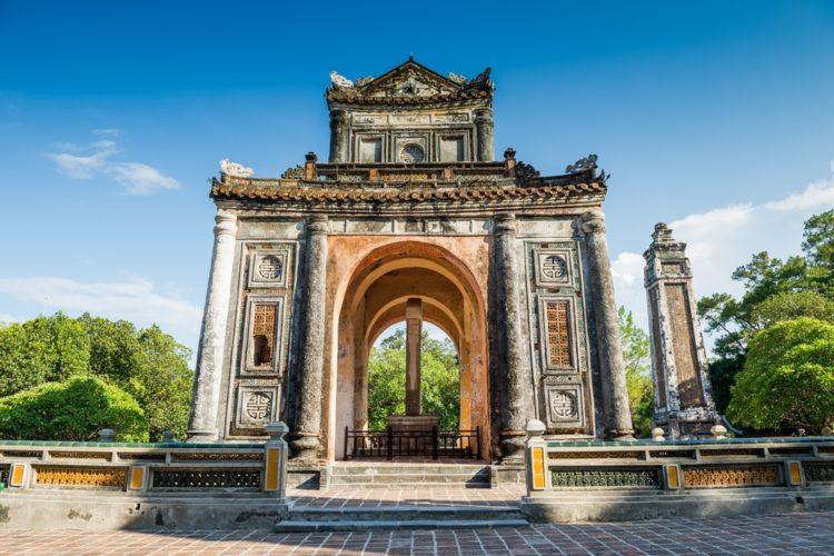 Гробница императора Ты Дыка во Вьетнаме