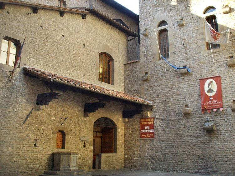 Дом-музей Данте Алигьери в Италии