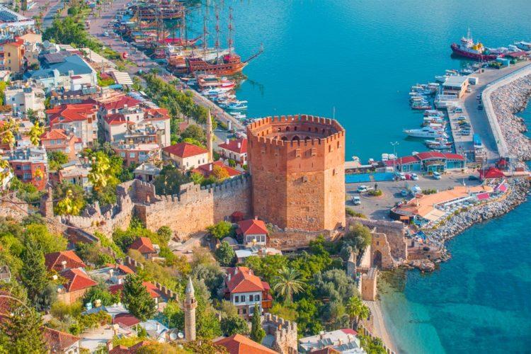 Башня Кызыл Куле (Красная Башня) в Турции