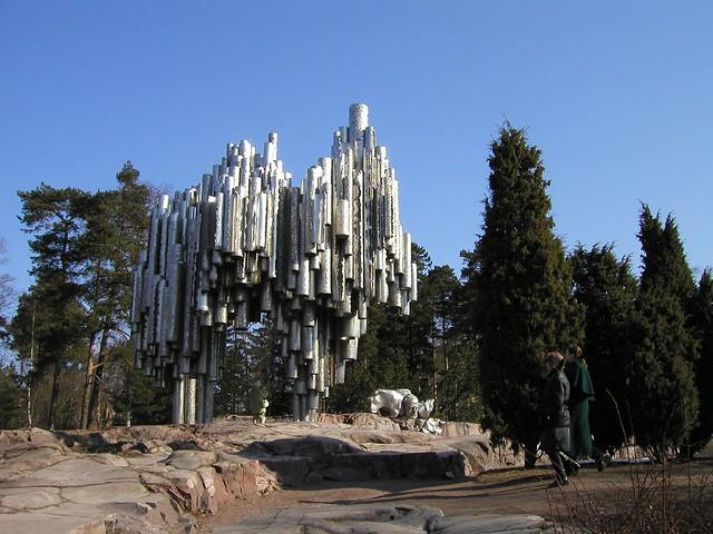Памятник Сибелиусу в Финляндии