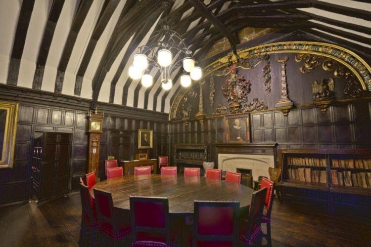 Четэмская библиотека в Англии
